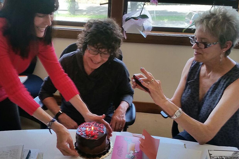 Cantando cumpleaños feliz