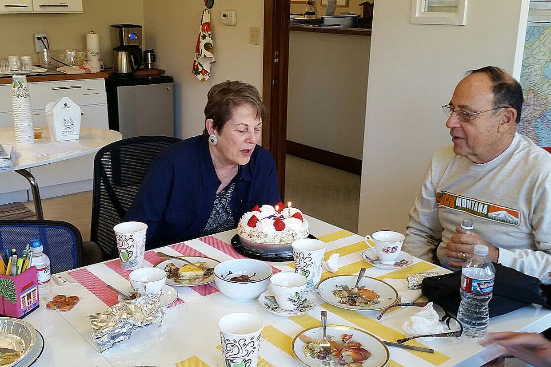 Celebrando el cumpleaños de Susan