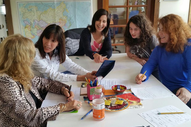 En una de neustras tertulias (Conversational workshops)